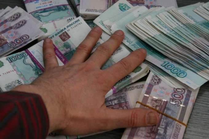 Курянин за несколько дней прокутил на море похищенные 800 тысяч рублей